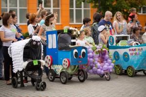 Преврати коляску своего малыша в ...паровозик
